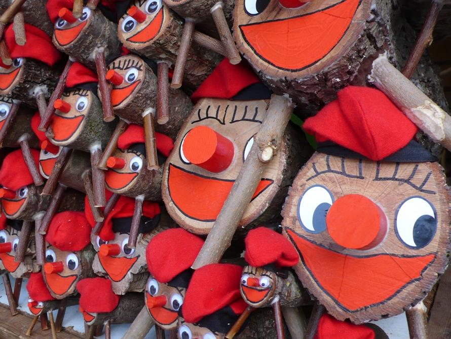 Tió de Nadal © Ajuntament de Barcelona. Lizenz. www.creativecommons.orglicensesby-sa2.0deed.de